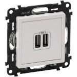 Зарядное устройство с двумя USB-разъемами 240В/5В 1500мА белый Valena life 753412
